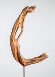 Foto: Skulptur aus Schwemmholz von Franziska Schneider, Niederdorf